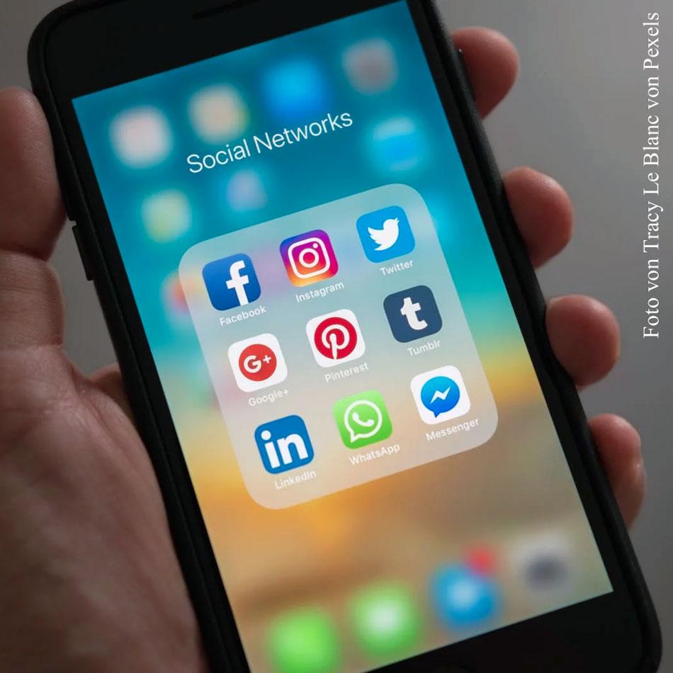 Instagram, Facebook, Twitter und YouTube